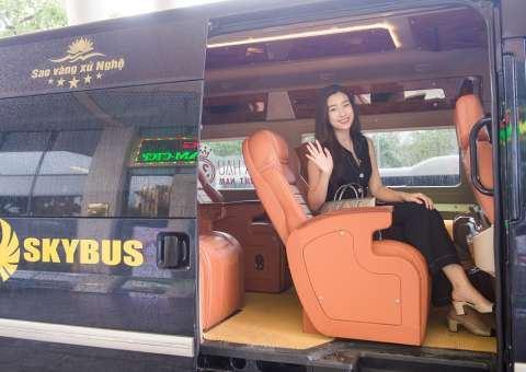 SKYBUS LIMOUSINE đón Hoa hậu Việt Nam tại Nghệ An