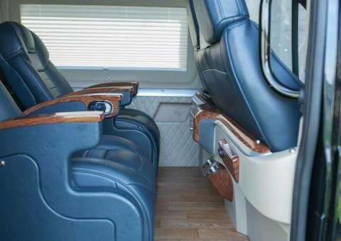 Ford Limousine tiêu chuẩn SKYBUS eVL