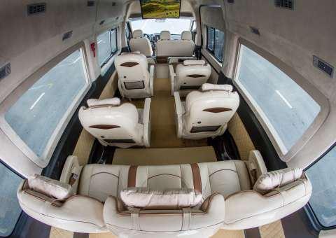 Solati Limousine 9 chỗ thương mại 3
