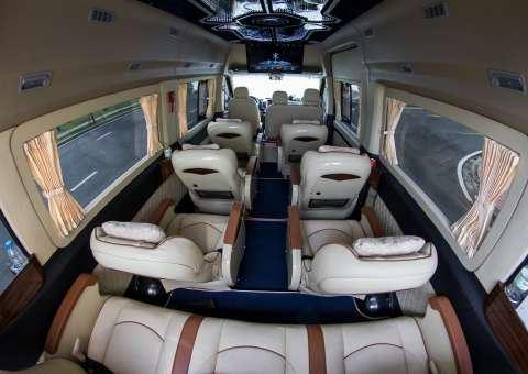 Khoang VIP của Solati Limousine 12 chỗ SKYBUS XLL