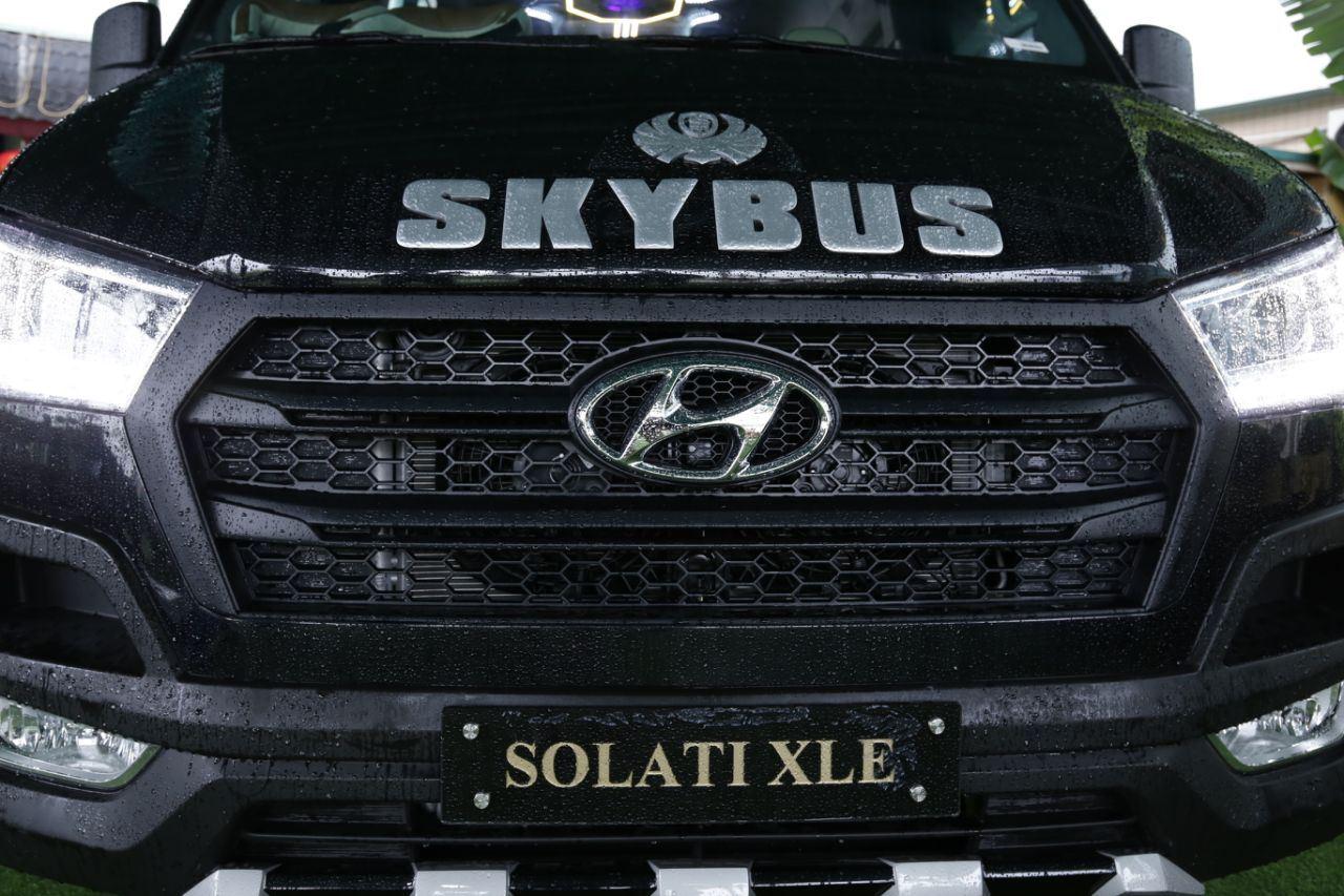 Skybus solati XLE Limousine