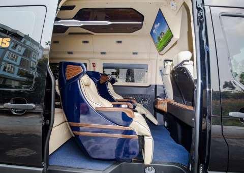 Skybus Solati Limited Limousine 5