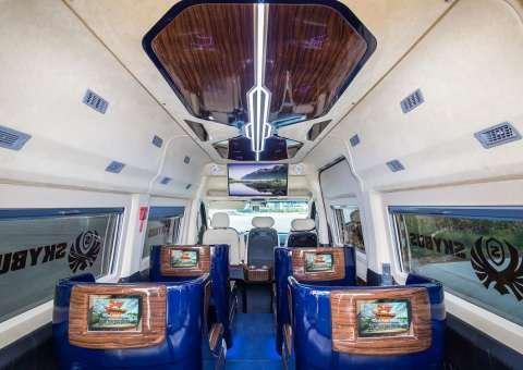 Skybus Solati Limited Limousine 4