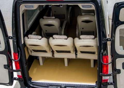 Skybus Solati Special Limousine 3