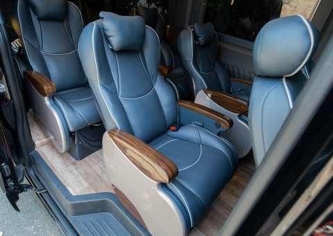 Solati Limousine 12 chỗ SKYBUS Solati PRO 2