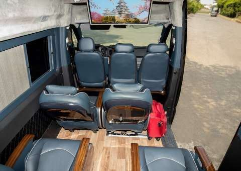 Solati Limousine 12 chỗ SKYBUS Solati PRO 5