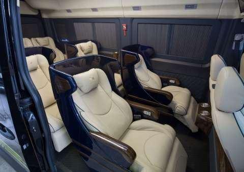 Skybus Solati Bold Limousine 3